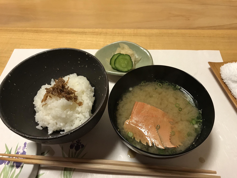 ご飯とウチワエビの味噌汁